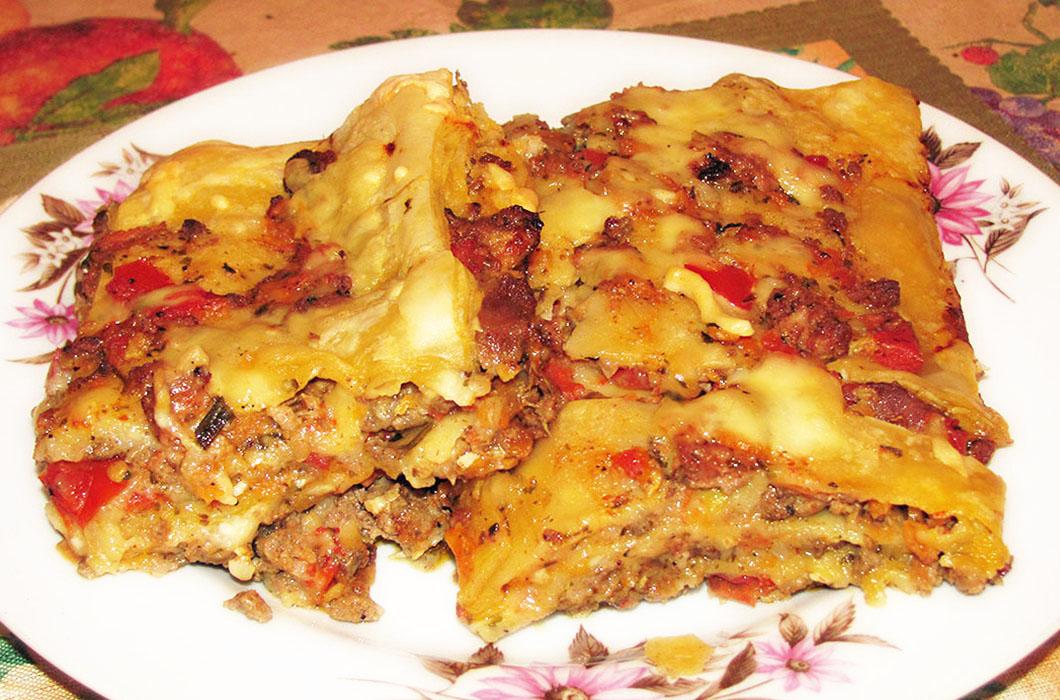 Обыкновенная лазанья с мясом и сыром